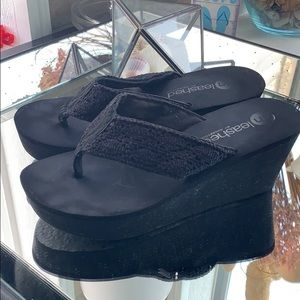 2x$10 Unleashed Wedge sandals